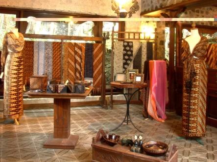 Museum-Ullen-Sentalu-batik-room1